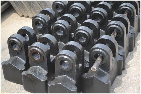 山东锤式破碎机生产厂商提示你:不应忽略锤头在锤式破碎机中的作用